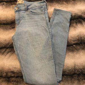 Light blue wash hollister jeans!